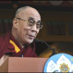 Dalai Lama anuncia que abandonar funes polticas.