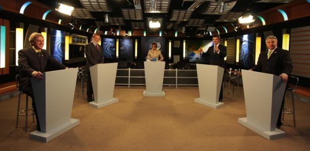 Candidatos ao governo do Paraná realizam debate na RIC TV, emissora afiliada à Rede Record