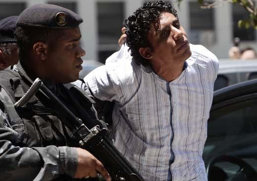 Rio de Janeiro 10 de Novembro de 2011 Apos prisão de Nem e seus comparsas, a policia fez tranferencia do grupo no inicio da tarde de hoje. Fotos Alex Ribeiro .