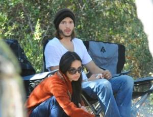 Demi Moore e Ashton Kutcher são vistos acampando em Santa Bárbara, Estados Unidos (09/10/2011)Demi Moore e Ashton Kutcher são vistos acampando em Santa Bárbara, Estados Unidos (09/10/2011)