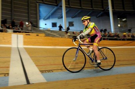 Robert Marchand pedalando