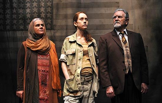 Foto de Vera holtz que estara no festival de teatro desse ano.